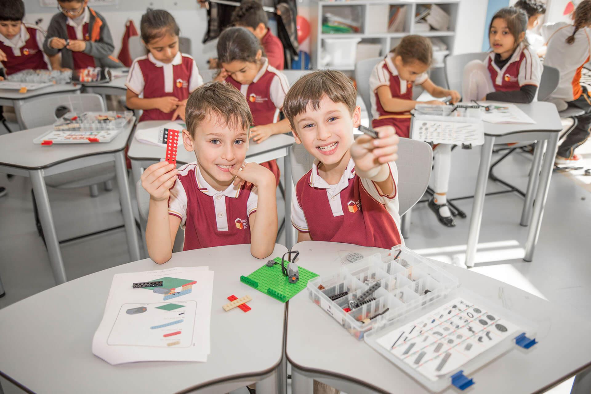 الوصول إلى جميع الطلاب: نظام التقدم المفاجئ في التعلم (نظام بريكثرو)